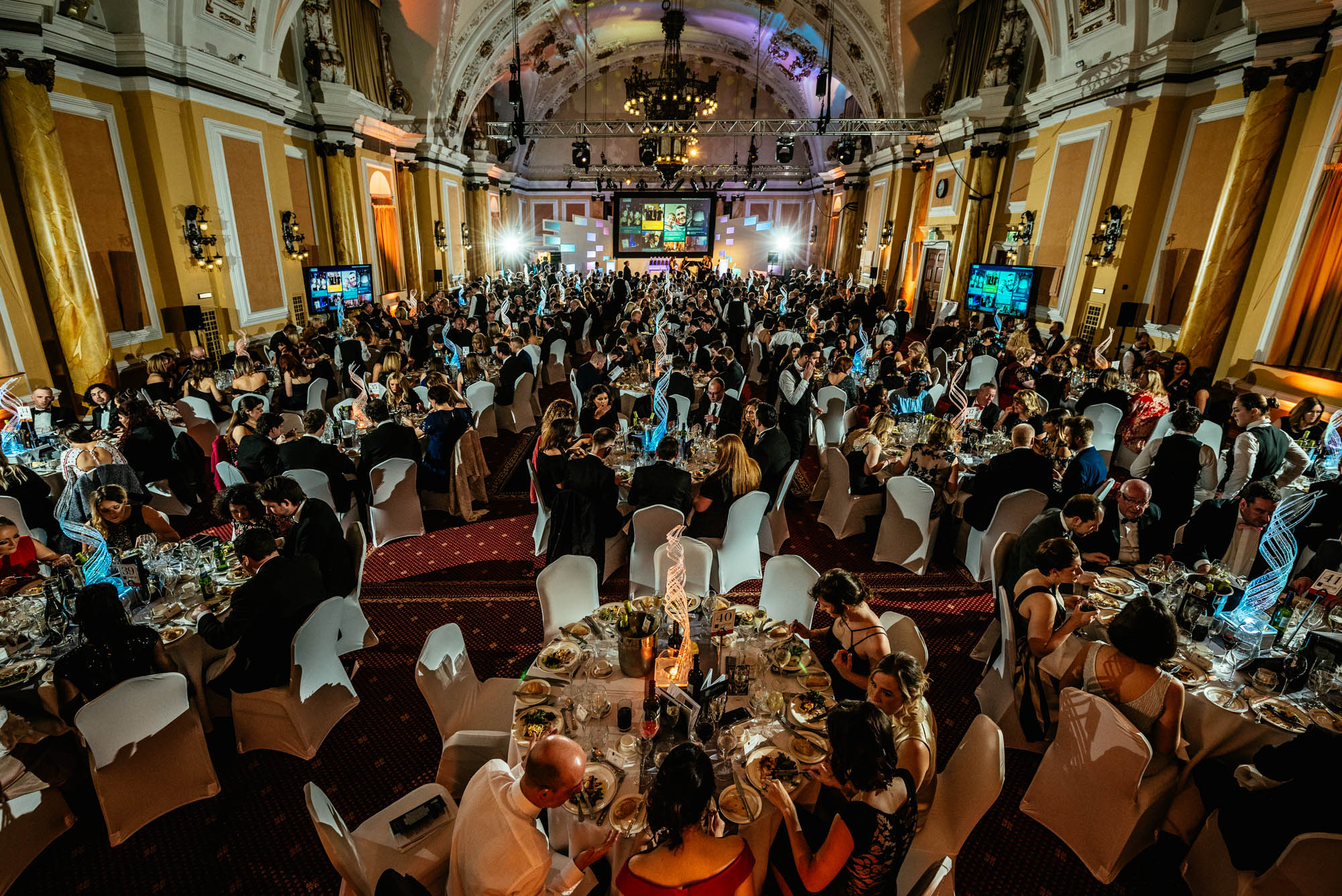 A photo of the interior of the City Hall in Cardiff during the cardiff life awards 2017